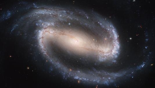 Spiralna galaksija snimljena teleskopom Hubble